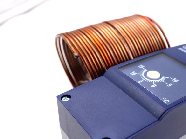 Sensoren und Stellgeräte